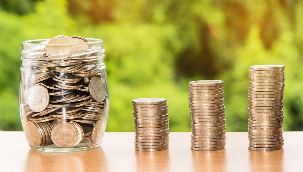 Nattanan-Kanchanaprat-z-Pixabay_money-2696238